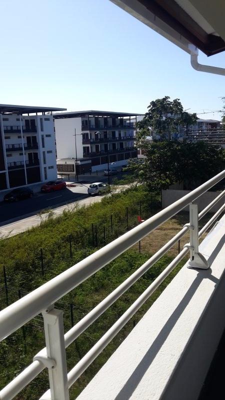 Vue  terrasse cote droit